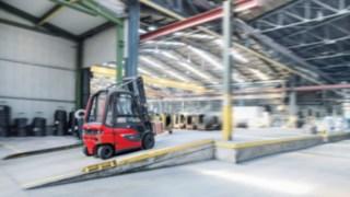 Elektrické vysokozdvižné vozíky od společnosti Linde Material Handling jsou standardně vybaveny jednotkou pro přenos dat.