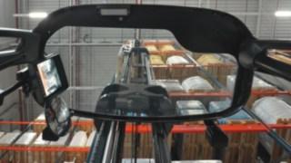 Žádné kývání zvedacího sloupu: Systém Dynamic Mast Control umožňuje bezpečnou a účinnou manipulaci snákladem.