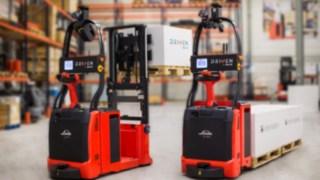 Automatizované vysokozdvižné vozíky od společnosti Linde Material Handling naváděné laserem.
