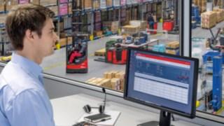 Správce vozového parku používá software connect: na počítači